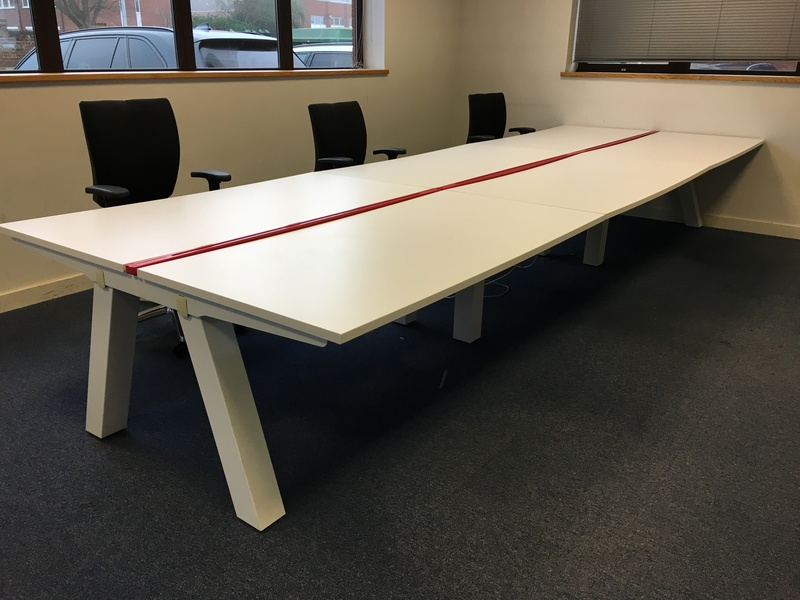 White sliding top 1600x800mm bench desks