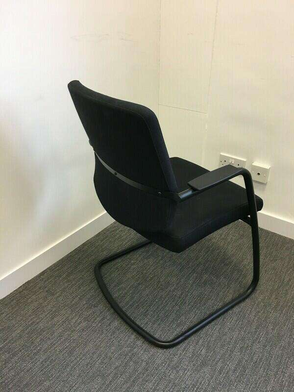 Arte black cantilever meeting chairs