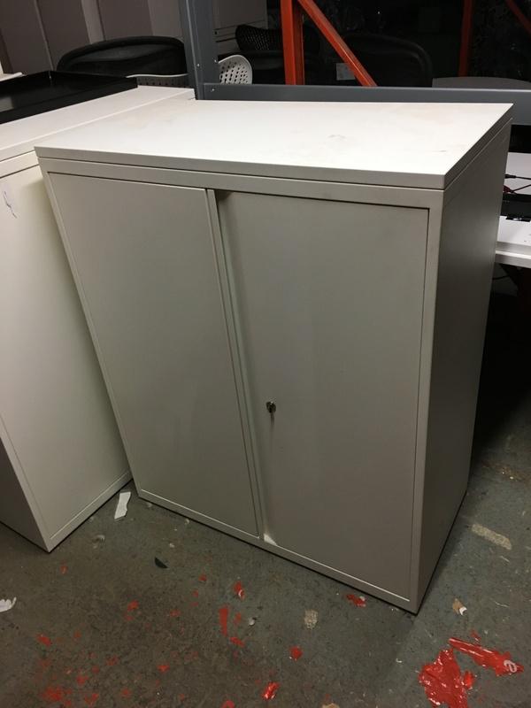 KI 1100mm high white double door cupboard