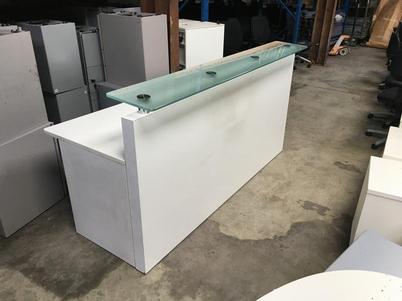 2000mm wide white reception desk