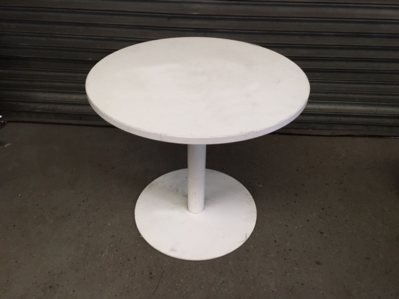 800mm diameter Flexiform white table
