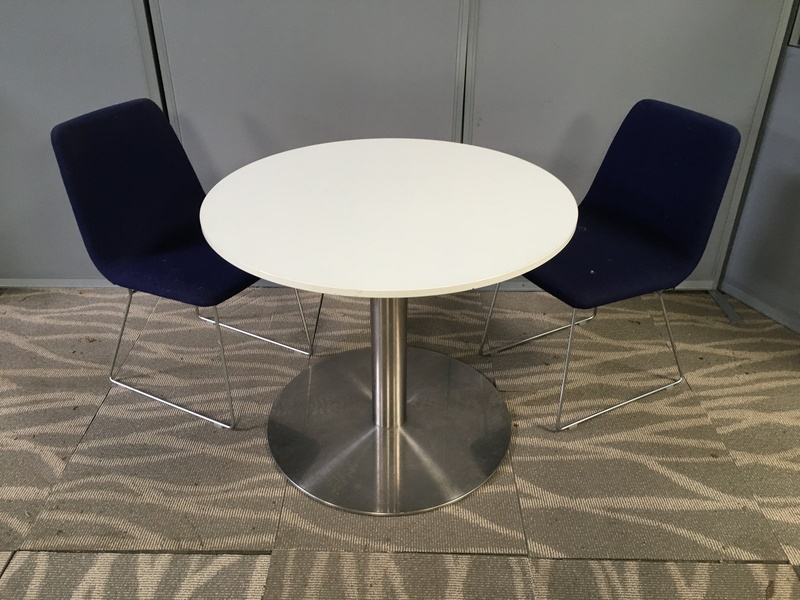 900mm diameter white table
