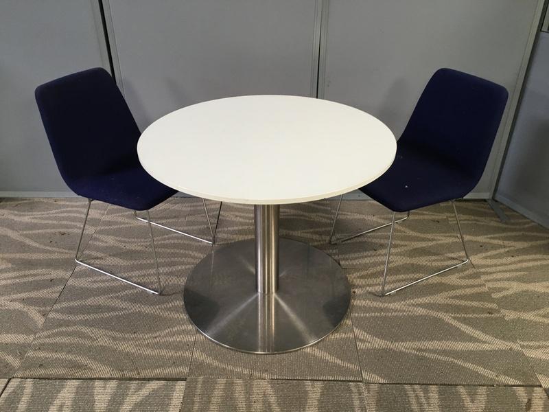 900mm diameter white table