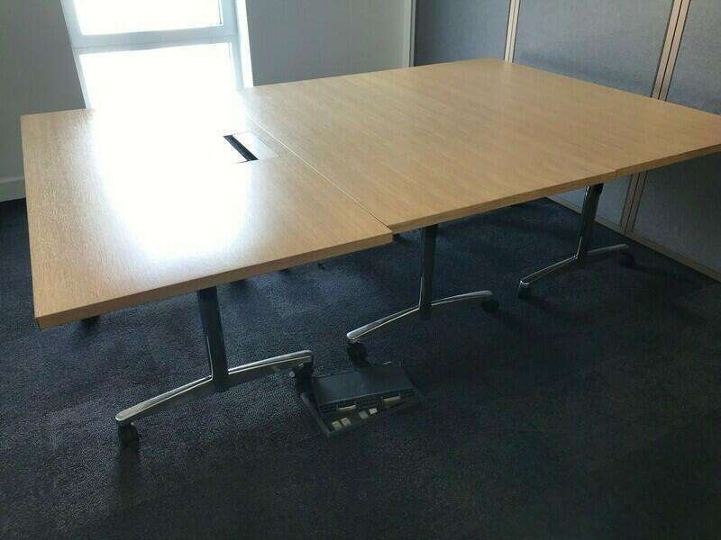 1600x800mm oak veneer flip top tables