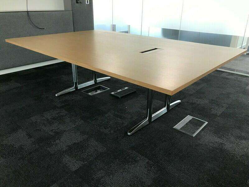2400x1600mm oak veneer table