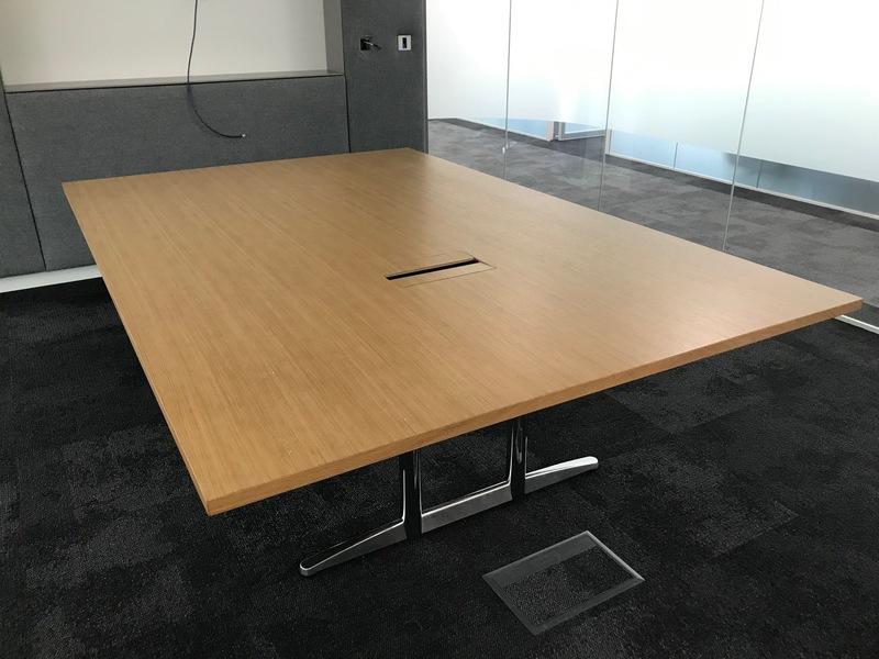 2400x1600mm oak veneer table