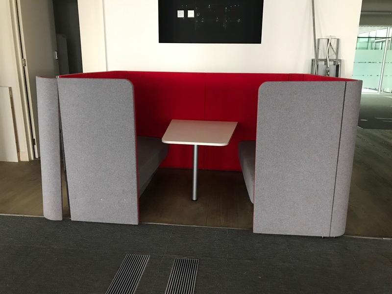 OCEE Design Den.Dining meeting pod