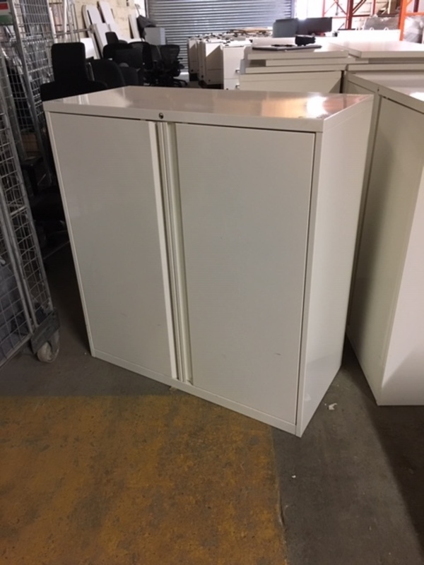 1090mm high white double door metal cupboards