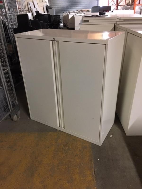 1090mm high white double door metal cupboards