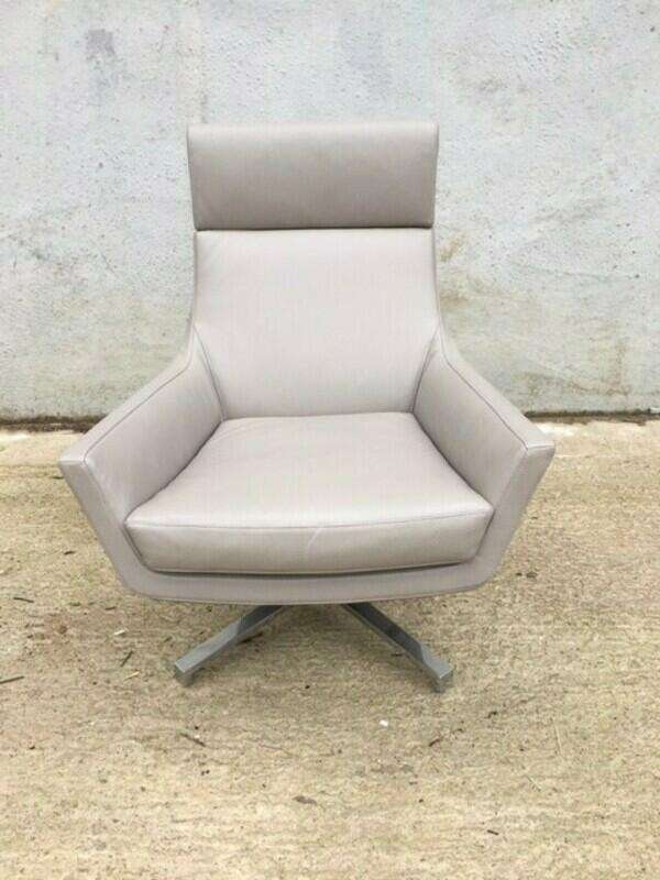 Marelli Joy mushroom leather swivel armchair