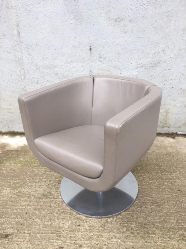 BampB Italia Tulip Sixty mushroom leather swivel tub chairs