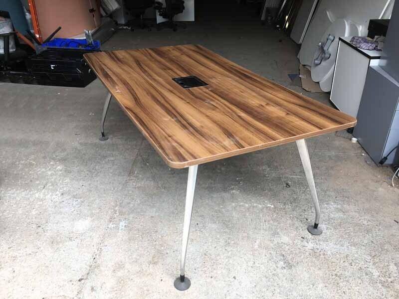 1800x900mm walnut Orangebox Pars table