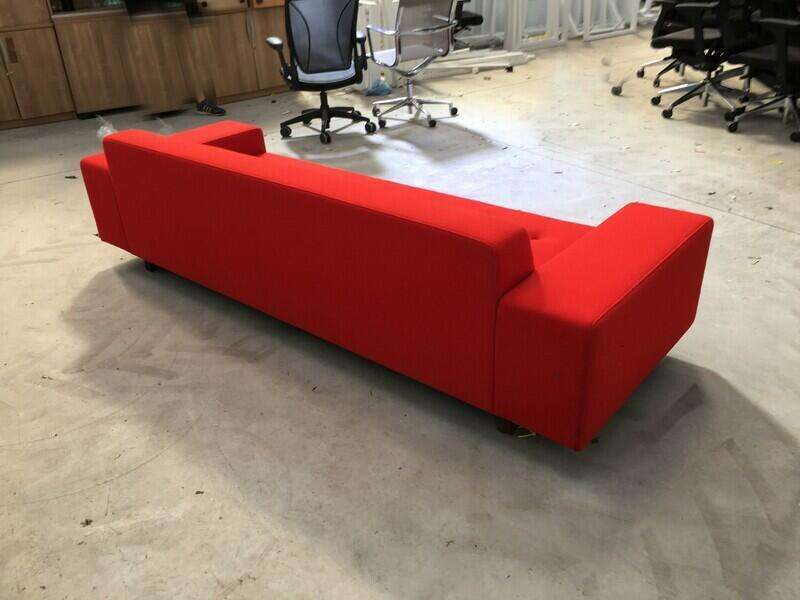 Hitch Mylius hm46 Abbey red 3 seater sofa