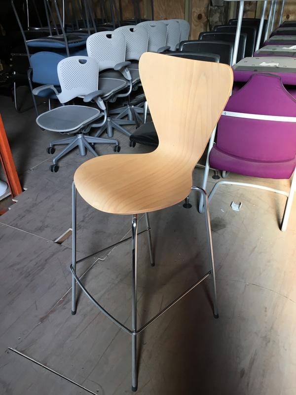 Beech plywood shell stools