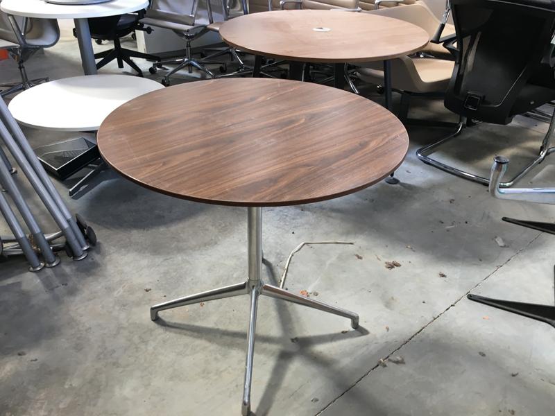 Boss 800mm diameter walnut table