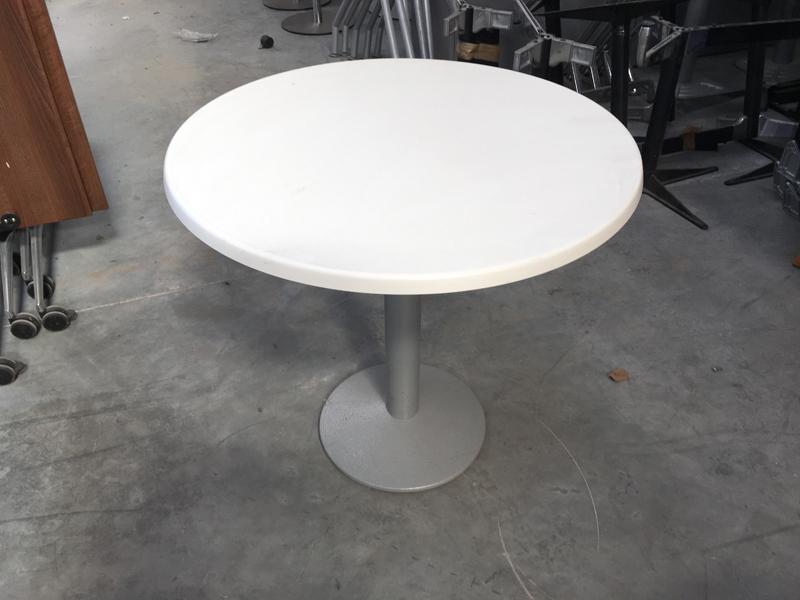 Frovi white 800mm diameter table