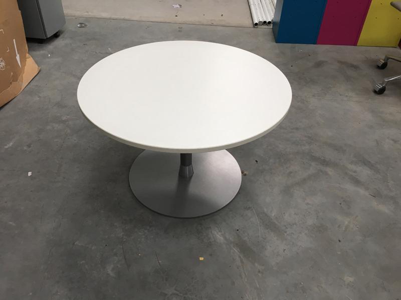 750mm diameter white O base coffee table