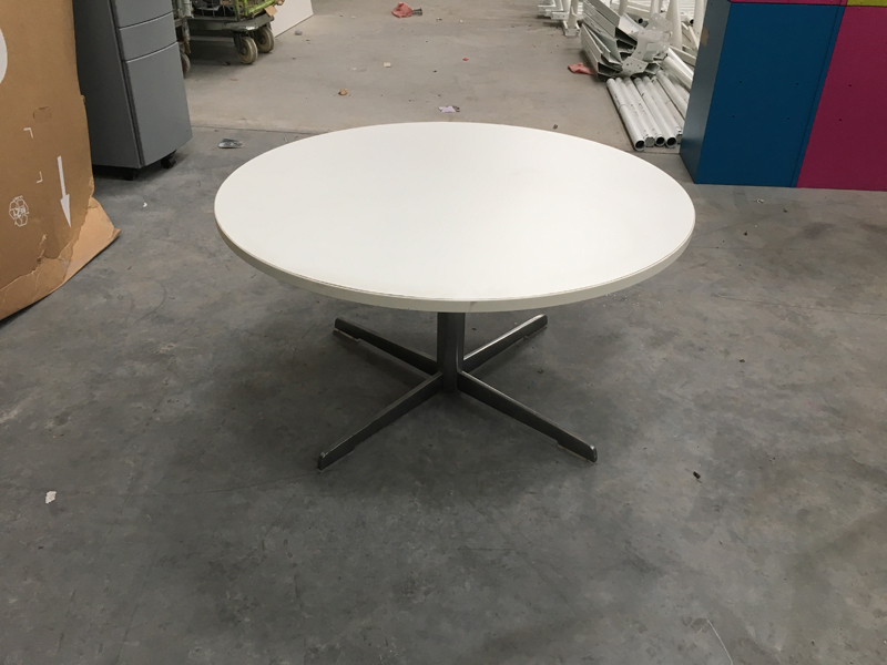 750mm diameter white coffee table