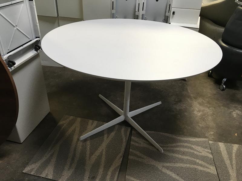 White 1200mm circular table 4 star base
