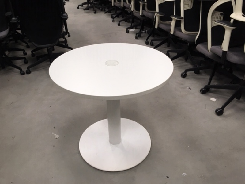 White 800mm diameter table