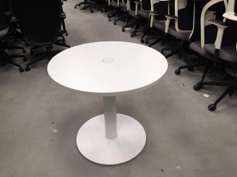 White 800mm diameter table