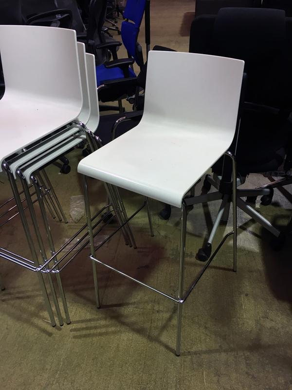 Pedrali Kuadra 1116 white stacking stool