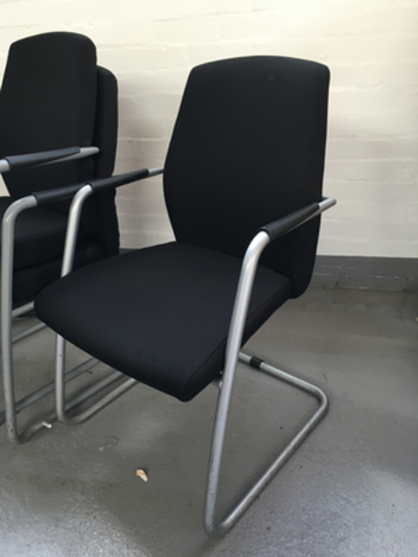 Black Connection Function meeting chair with arms
