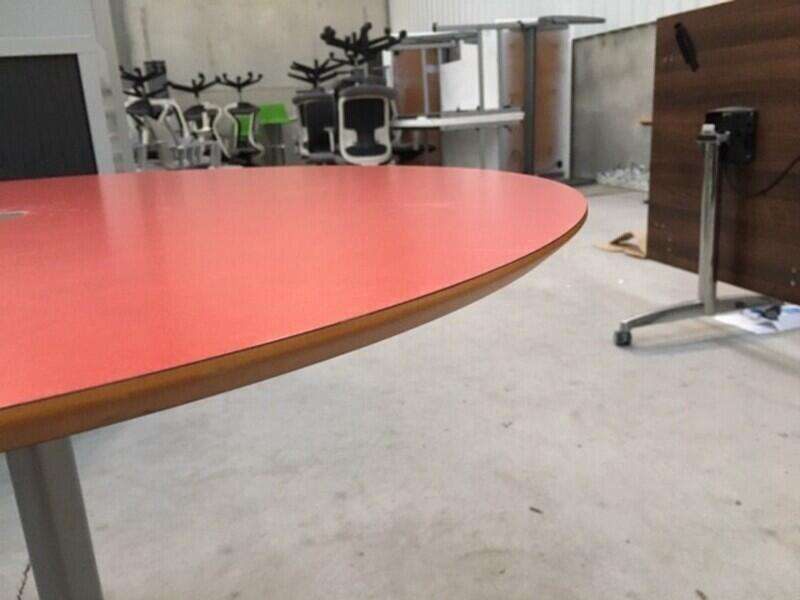 900mm diameter red Allermuir table