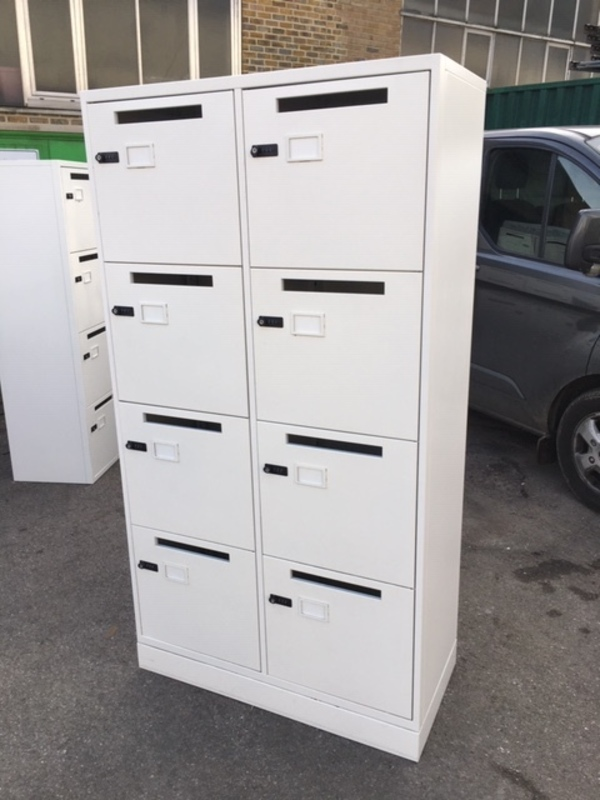 1860mm high 8 door white lockers
