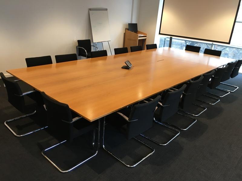5680x2240mm Vitra Segmented oak veneer table