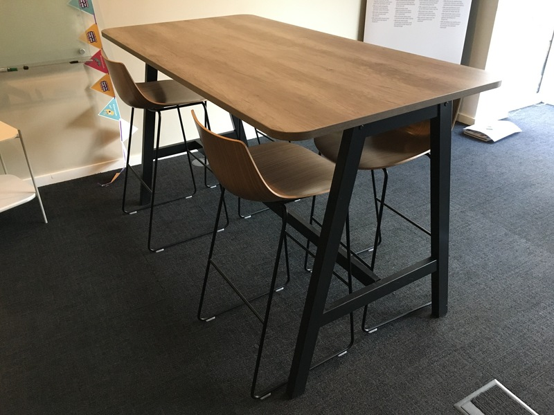 Oak 1800x900mm poseur table and 4 stools