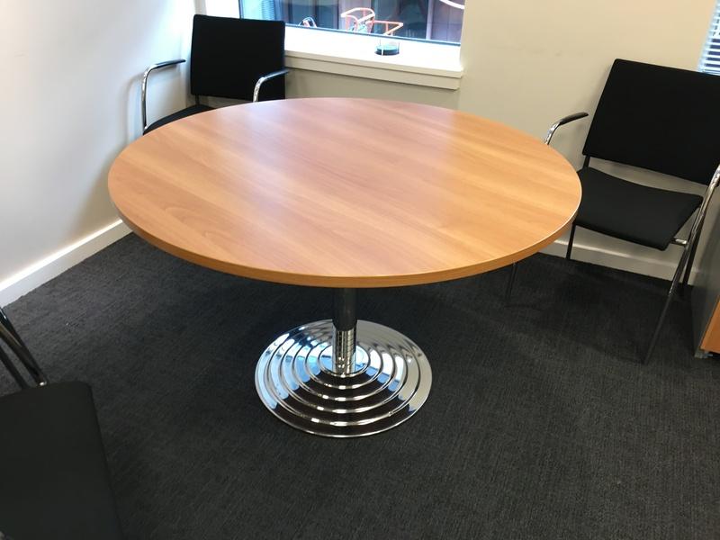 1180mm diameter cherry table