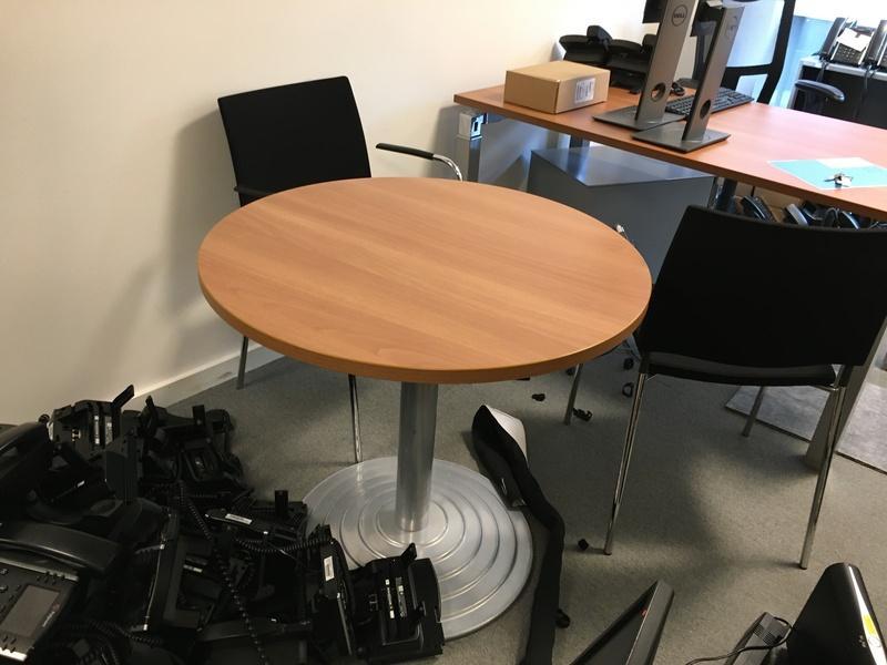 800mm diameter cherry table