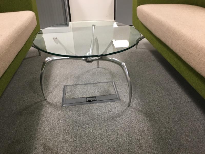 600mm diameter 3 leg glass table