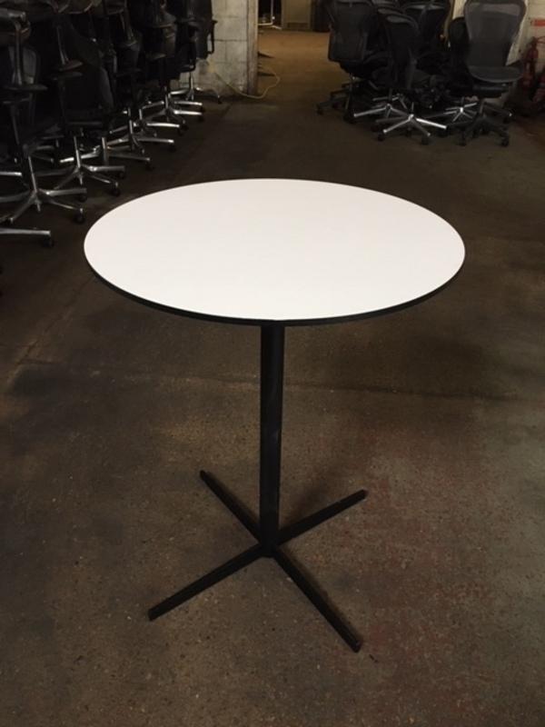 700mm diameter Offecct Ezy poseur table