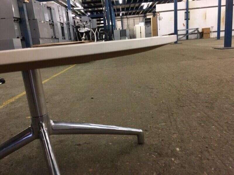 800mm white reverse chamfer edge Boss Design Kruze coffee table