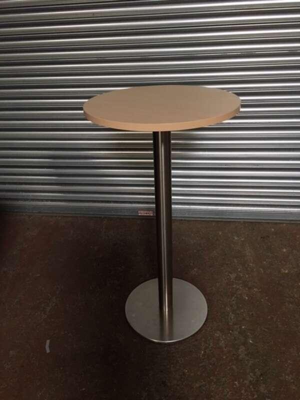600mm diameter Sven maple poseur table