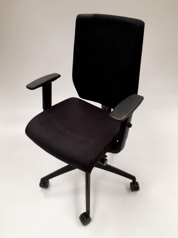 Black Nomique Pepi Upholstered task chair
