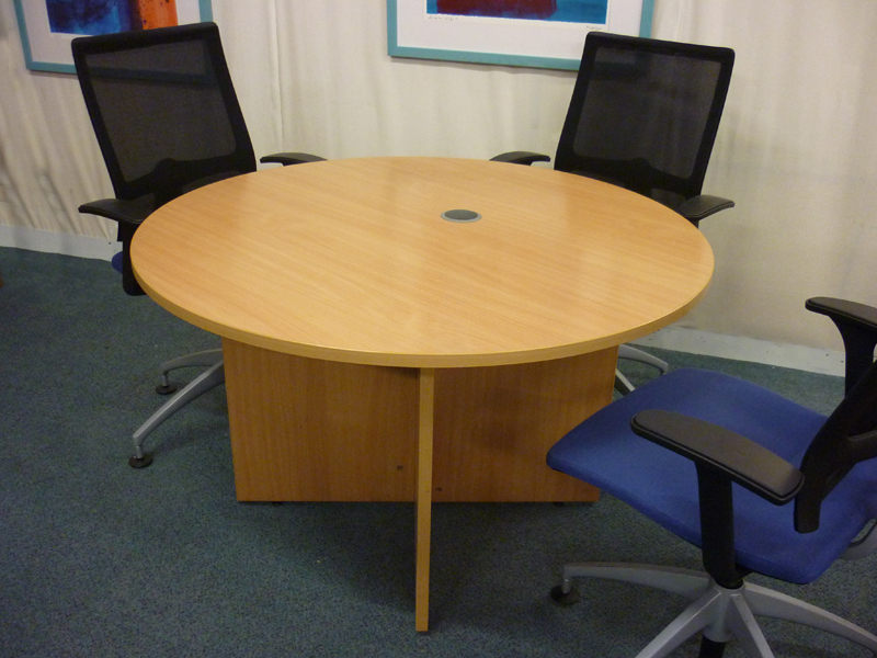 1200mm Sven light oak circular tables