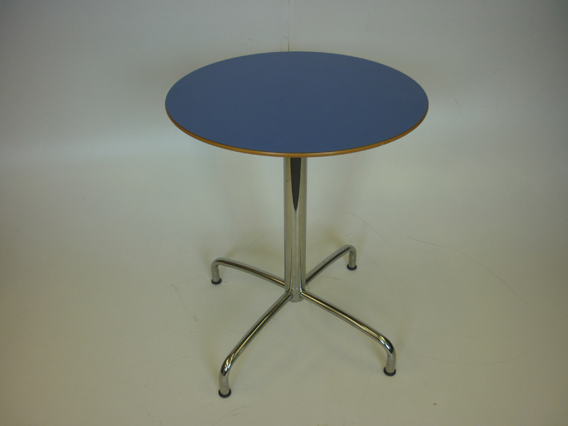 600mm diameter coloured cafe table