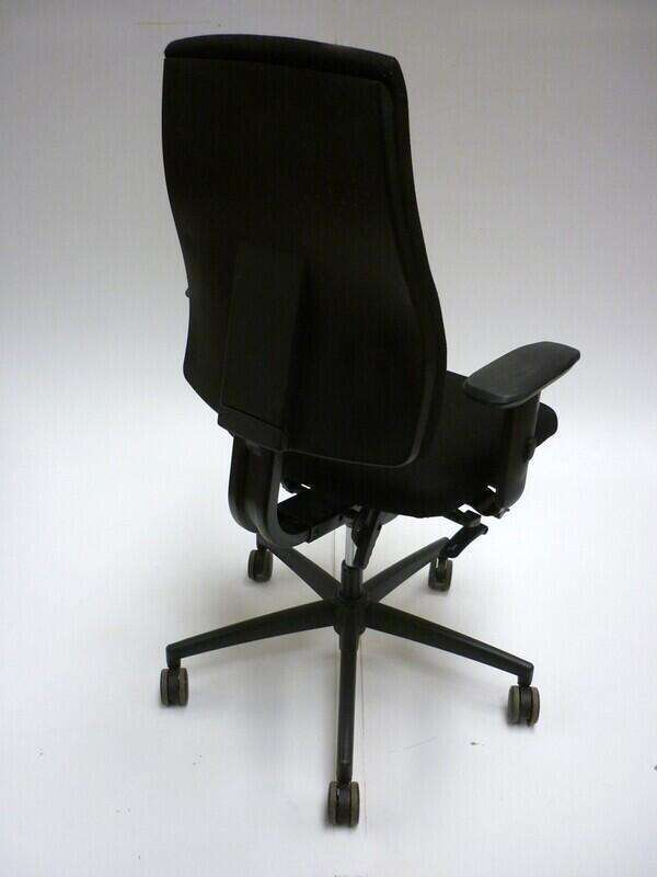 Interstuhl Goal black task chair