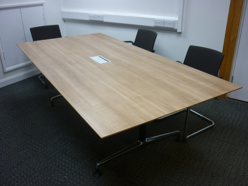 2400 x 1200mm Orangebox Pars boardroom table