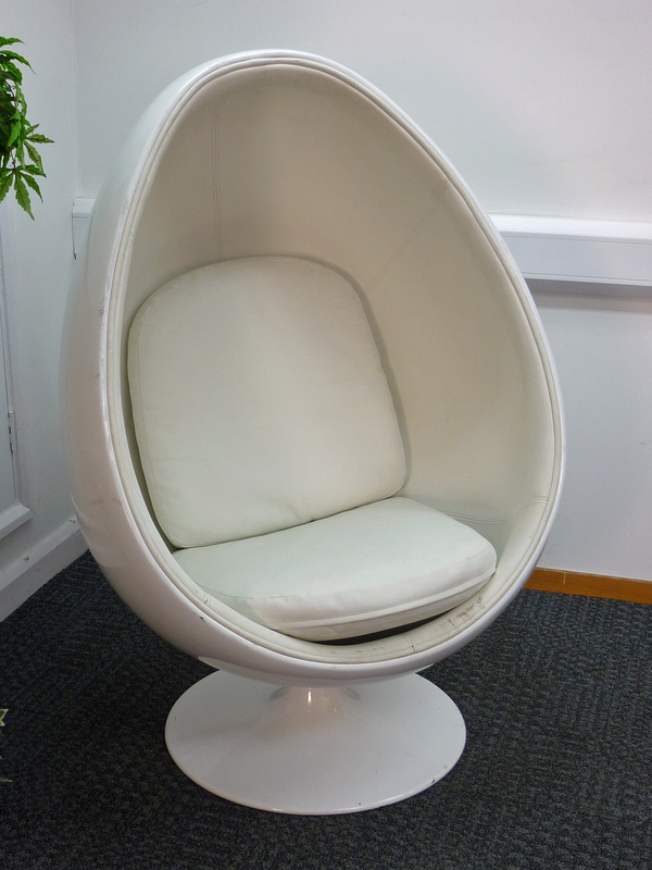 Funky Egg Chair Recycled Business Furniture Reception