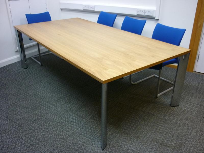 2400x1200mm walnut veneer boardroom table