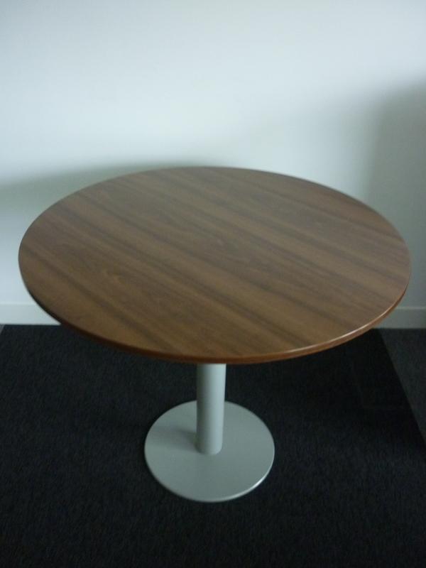 900mm diameter Techo Walnut table