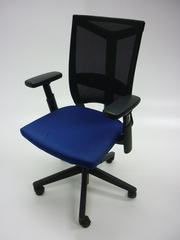 Blueblack mesh Haworth Comforto DX8863 task chair