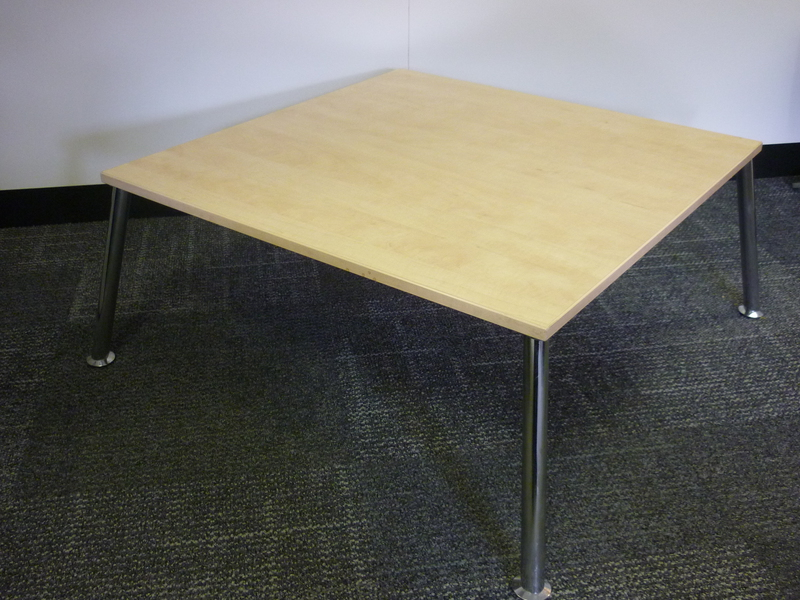 Maple top coffee table CE