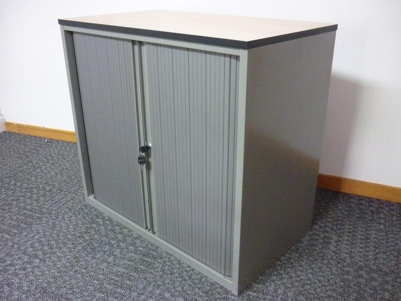 Techo desk high storage unit
