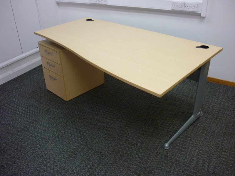 1800mm ash Elite Kassini wave desks