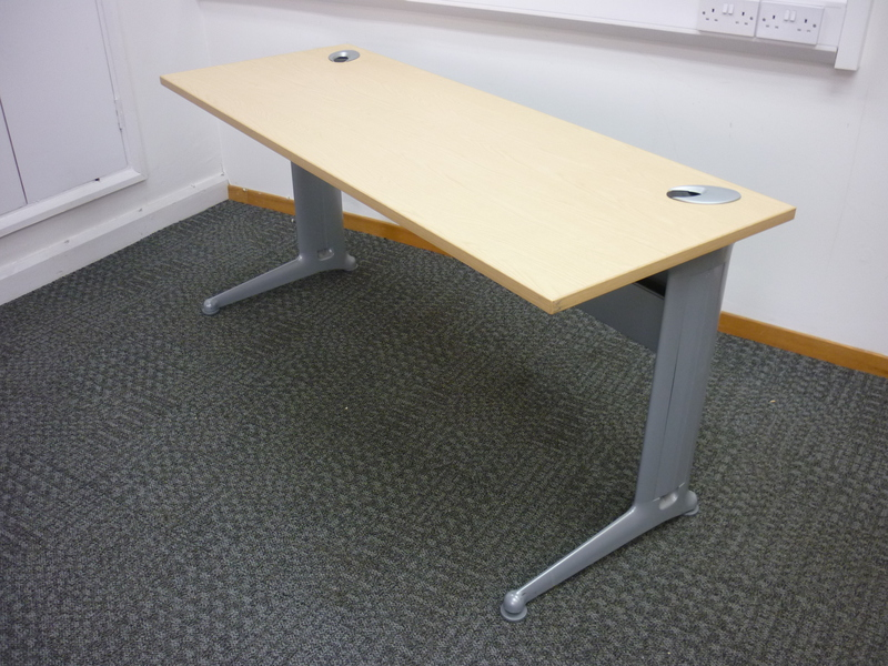 1600w x 600d mm Kassini rectangular desk